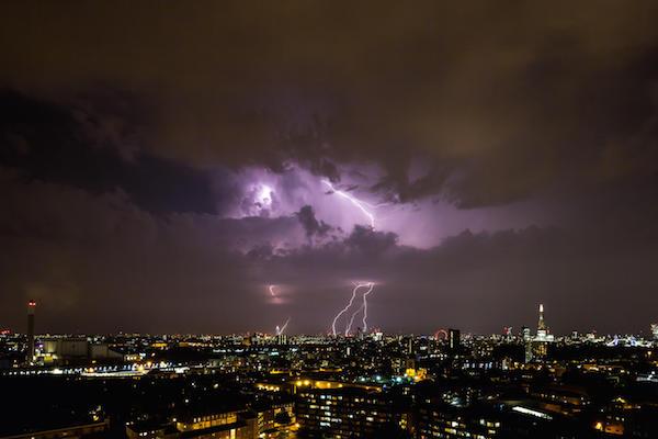 EXW332 London, UK. 17th July, 2015. UK Weather: Lightning Strikes over central London © Guy Corbishley/Alamy Live News